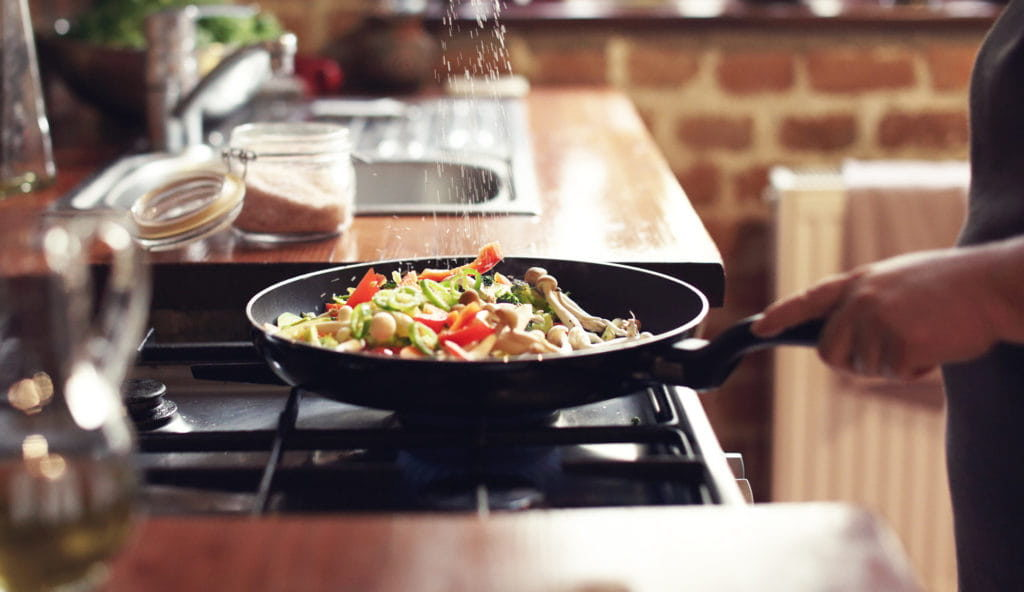 Vacaciones en casa - Noche de cocina en casa